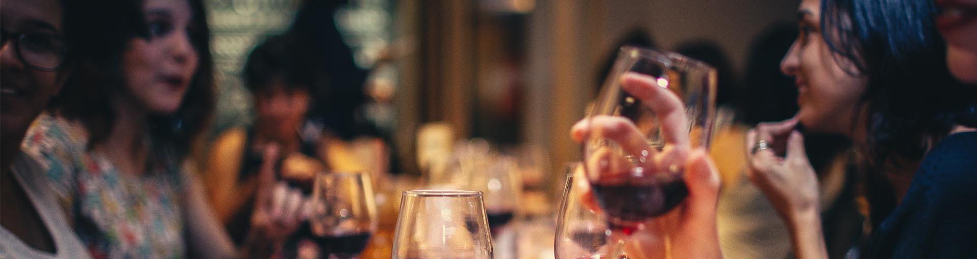 Os melhores vinhos são aqueles que são divididos com os amigos!